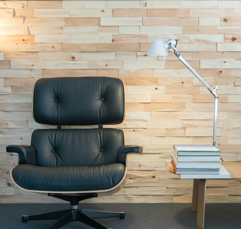 Wandverkleidung aus Spaltholz für Ihr Wohnzimmer